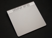 Гравировка на Apple Magic Trackpad